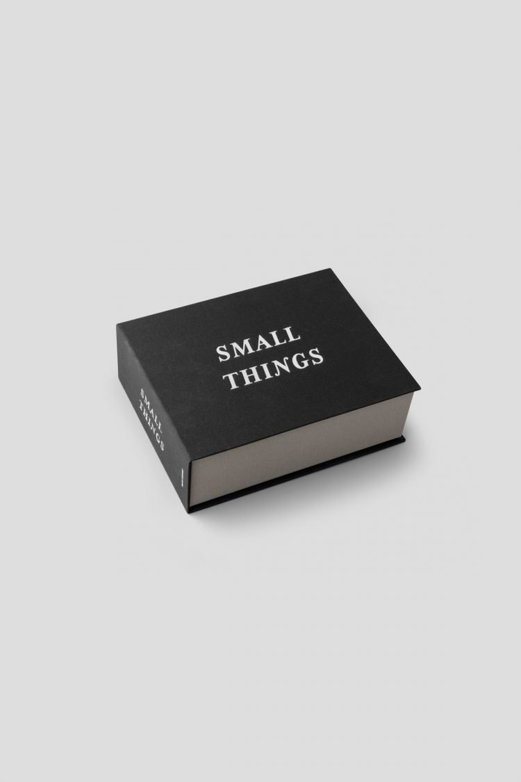 Small Things Box, Schwarz
