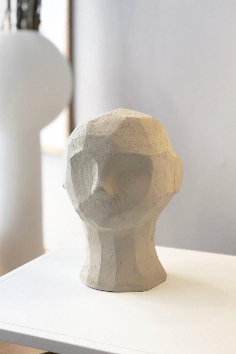 Skulptur Olufemi, Limestone